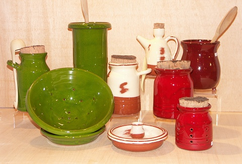 Link to the ABS Pottery Imports Ltd website