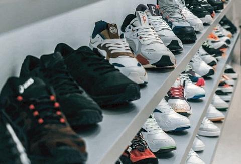 Link to the NT Wholesale Footwear Ltd website